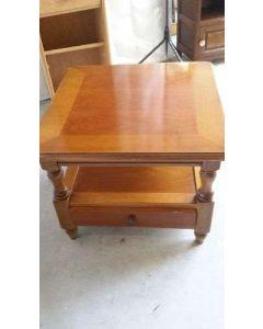 TABLE BASE CARREE MERISIER 1T